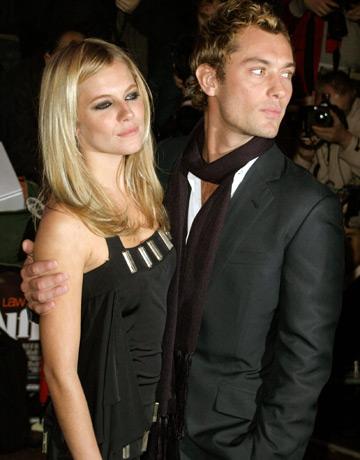 Sienna Miller si Jude Law petrec Craciunul impreuna ?