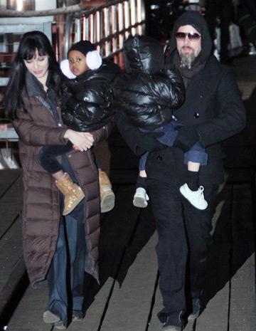 Clanul Jolie-Pitt se muta la Venetia