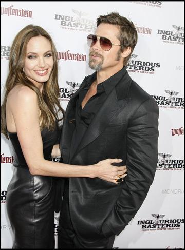 Brad si Angelina doresc sa se casatoreasca