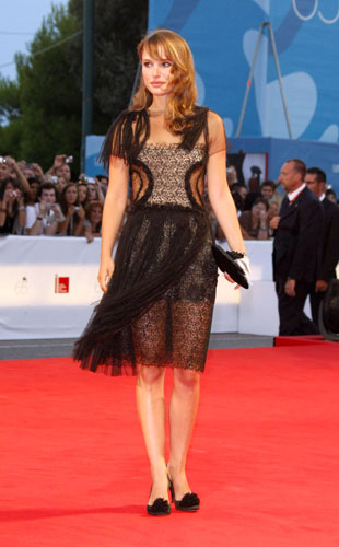 Natalie Portman style