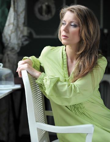 Interviu cu poeta Ioana Nicolae