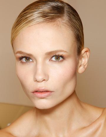 Make-up trends: Un ten de portelan la Gucci