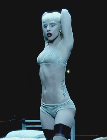 Lady Gaga nu renunta la imaginea de pop star nici in afara scenei