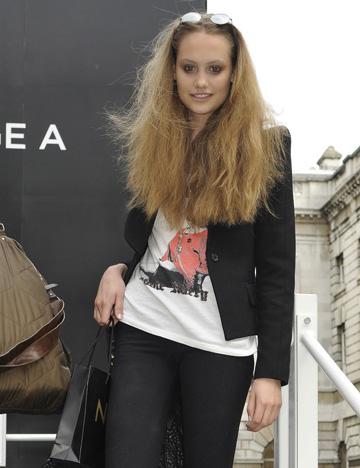 Models own clothes Londra