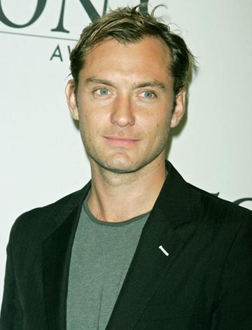 Jude Law incearca sa isi impiedice fosta sotie sa isi publice autobiografia