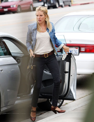 Sienna Miller isi doreste sa fie o mireasa country style