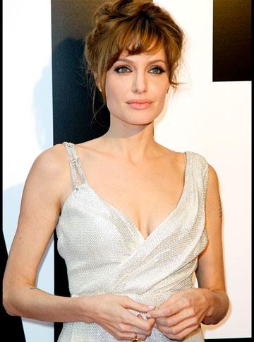 Ce avem de invatat din operatiile si declaratiile facute de Angelina Jolie?