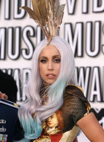 Lady Gaga controlata de Warhol