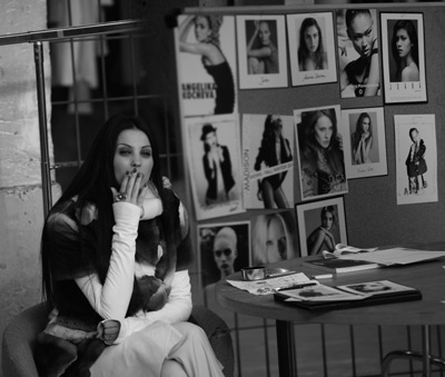 Ingrid Vlasov, singurul designer roman prezent in calendarul oficial Paris Fashion Week
