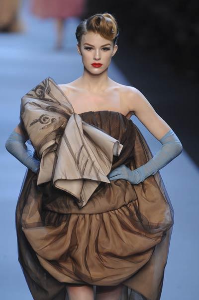 Christian Dior – Haute Couture Primavara/Vara 2011