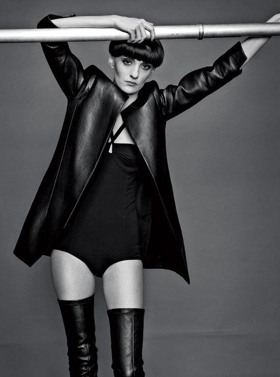 Editorial Fashion: Pielea – material agresiv dar senzual
