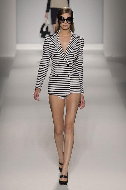 Tendinte moda primavara vara: Dungi