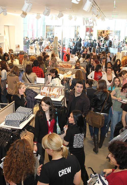 Primele magazine H&M din Romania si-au deschis portile