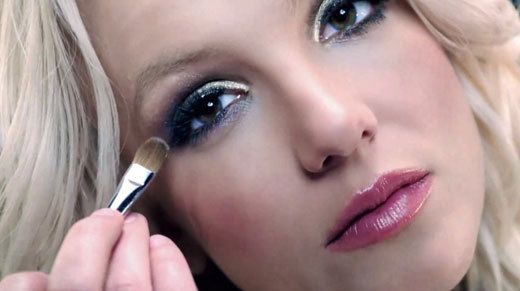 Britney Spears, machiaj Make Up For Ever, in noul clip