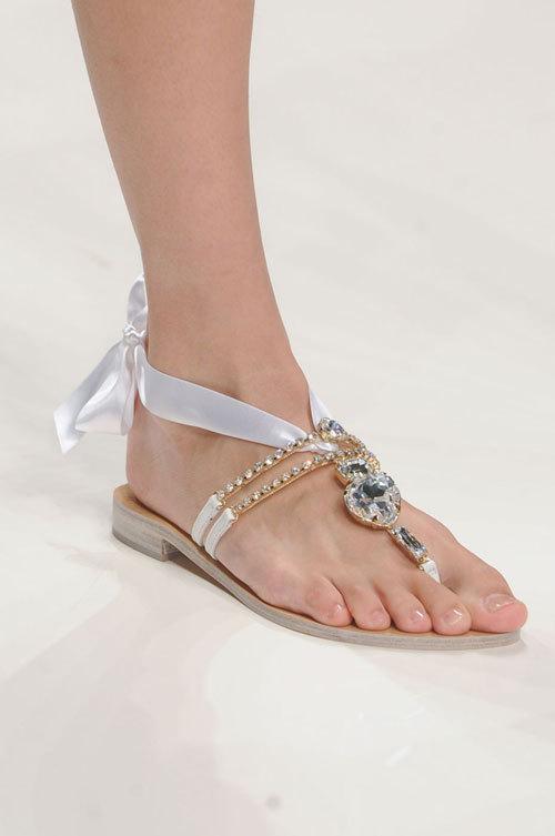 Sandale plate – un must have in acest sezon