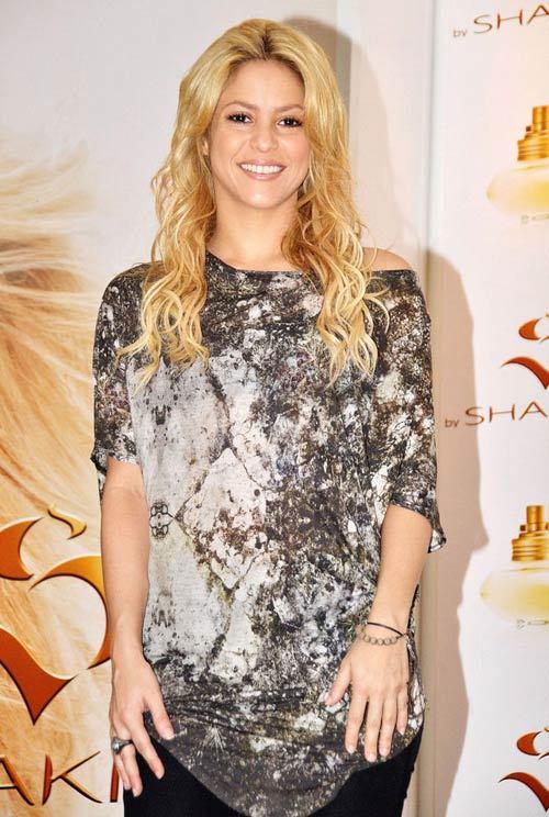 Shakira a donat 400 000 de dolari pentru o scoala din Haiti