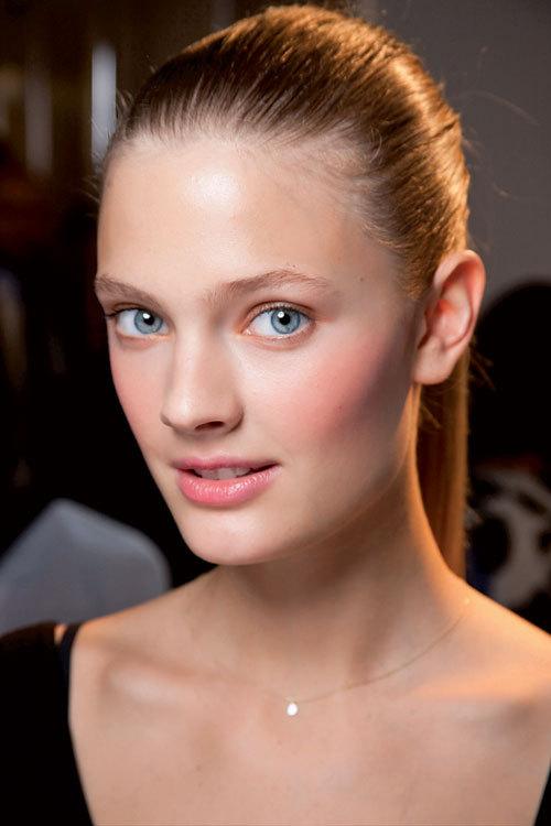 Tendinte make-up primavara-vara: Bujori