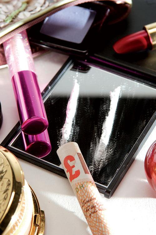 Tinerii din high life –  despre droguri si nu numai
