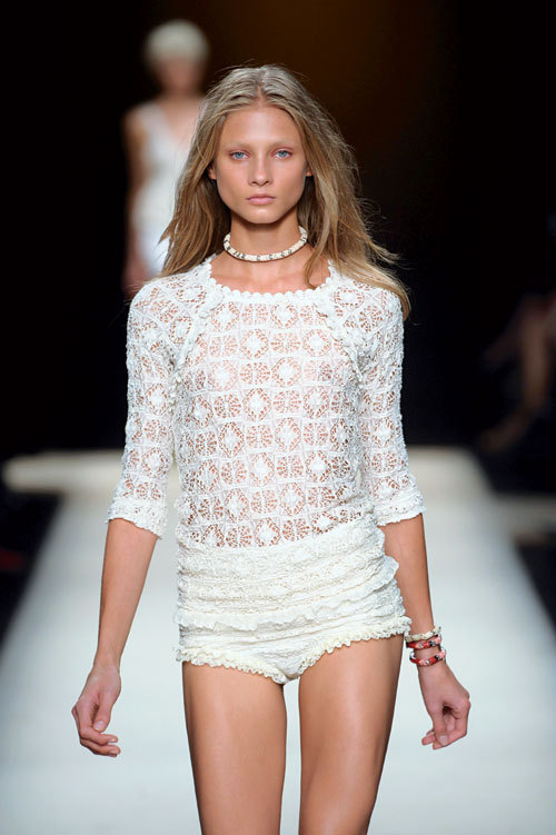 Tendinte moda primavara-vara: Dantela