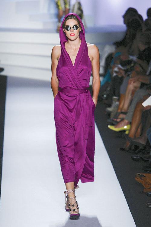 Tendinte fashion: Mov