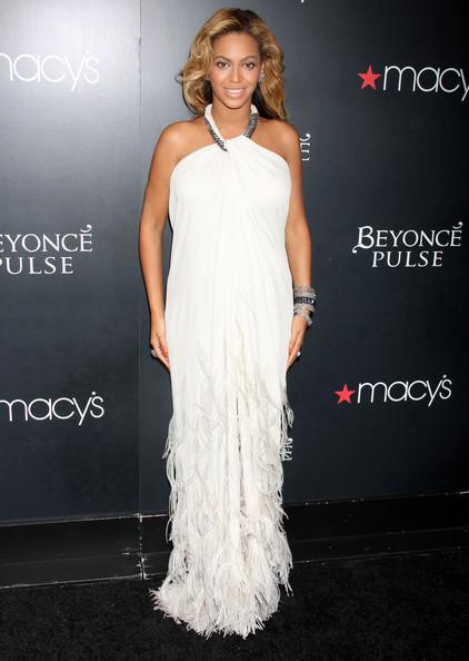 Colectie de haine pentru gravide, marca Beyonce