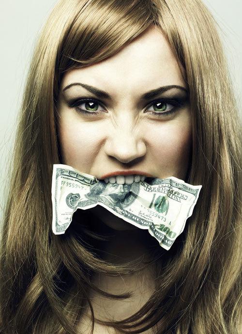 Suferim oare de bulimie financiara?