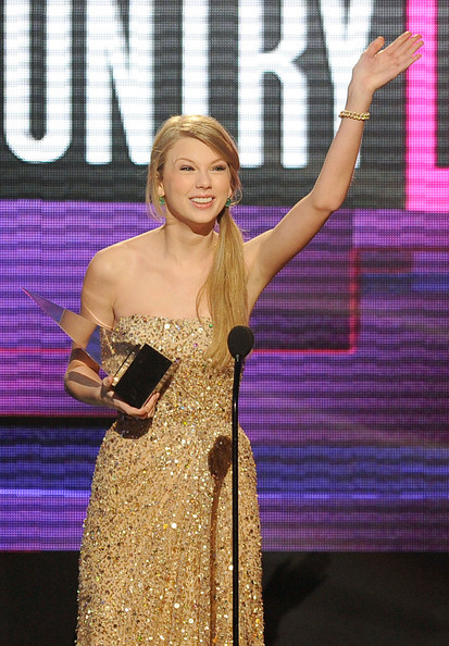Castigatorii American Music Awards 2011