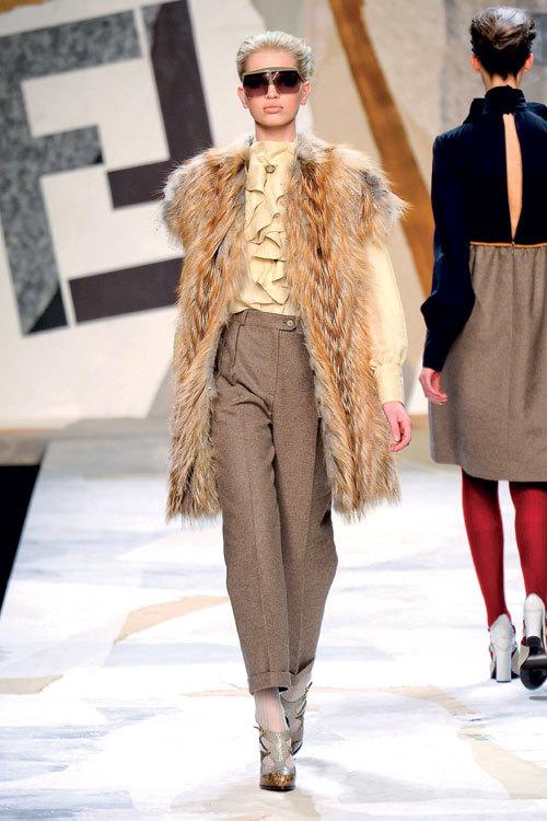 Tendinte moda iarna: tonuri de bej