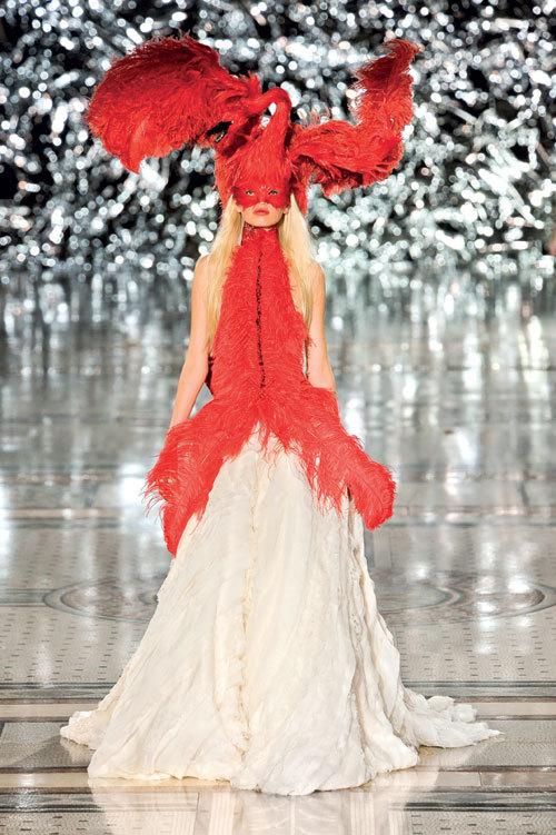 Tendinte moda primavara vara: rochii fastuoase