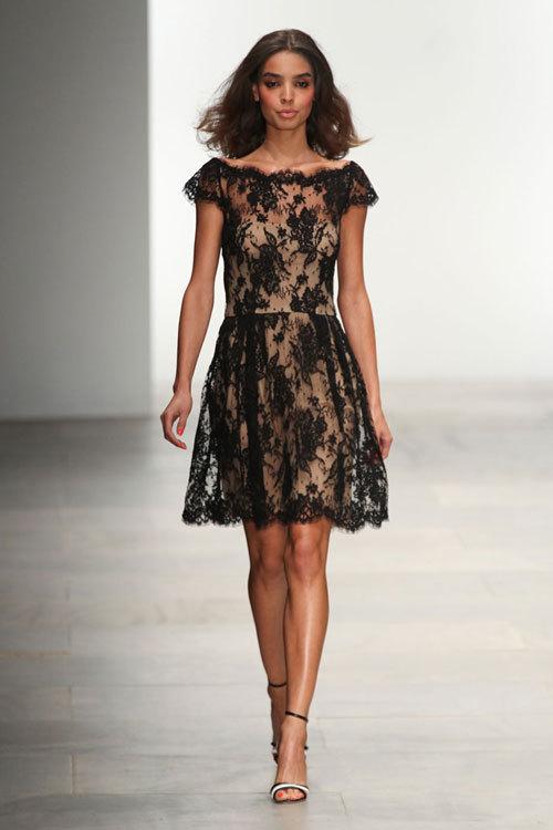 Dantela, la moda si in sezonul primavara-vara 2012