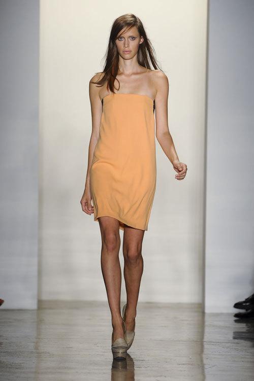 Tendinte moda primvara vara: minimalism