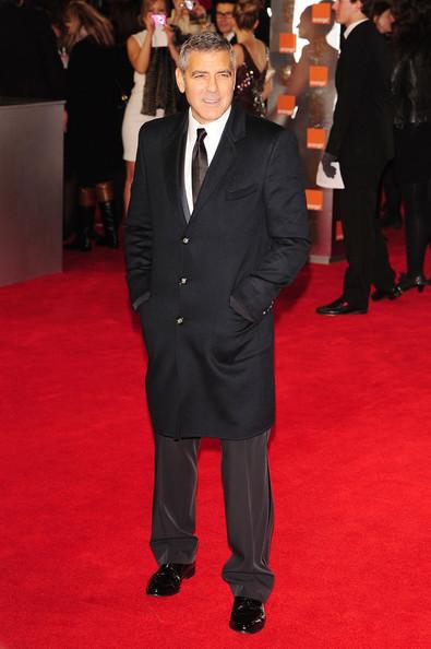 George Clooney se scoate la licitatie