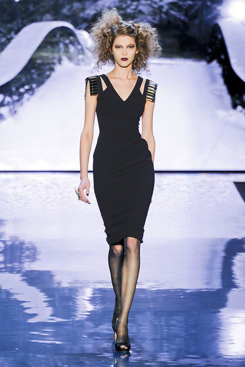 Tendinte fashion toamna iarna 2012: The Little Black Dress