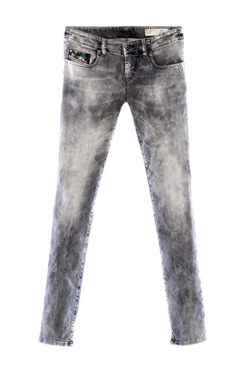 Pantaloni din denim, Diesel