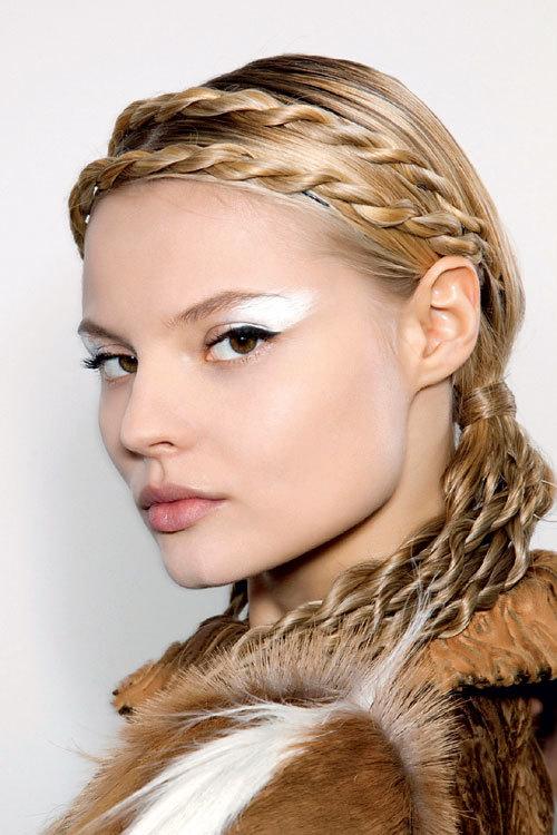 Tendinte coafura toamna iarna: Impletituri stylish