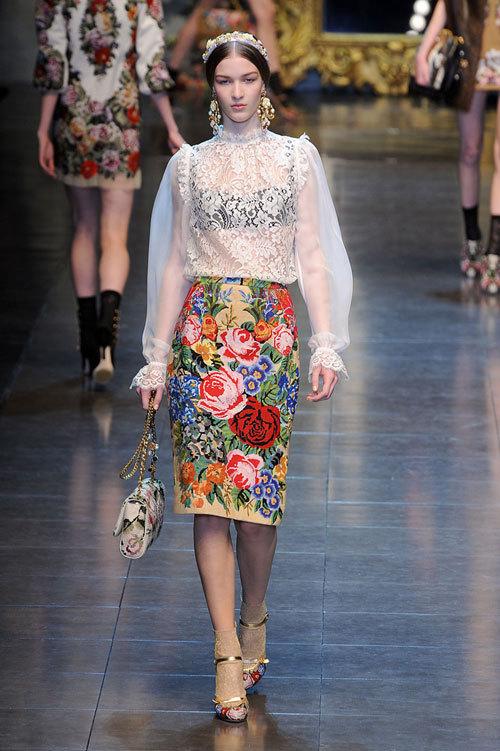Tendinte moda toamna 2012: Imprimeuri florale