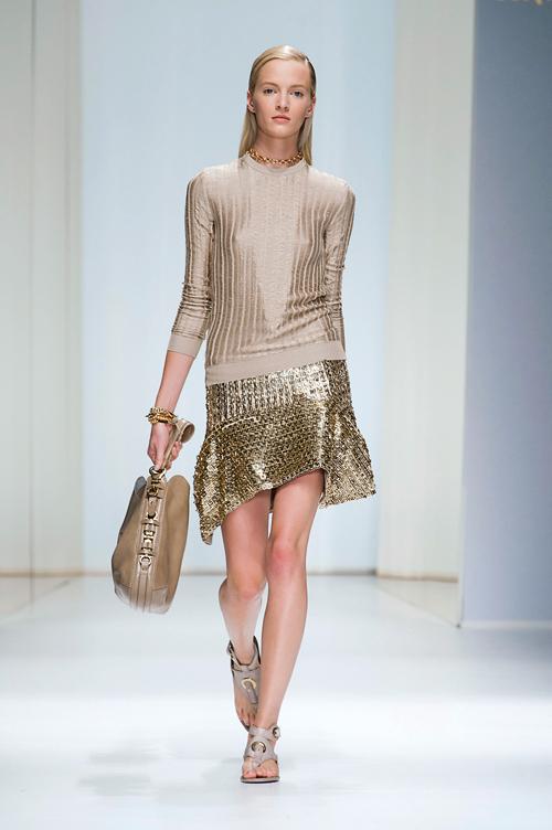 Tendinte moda primavara vara: Stralucire la superlativ