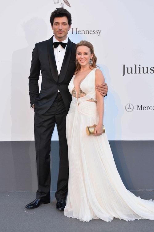Kylie Minogue s-a despartit de Andres Velencoso