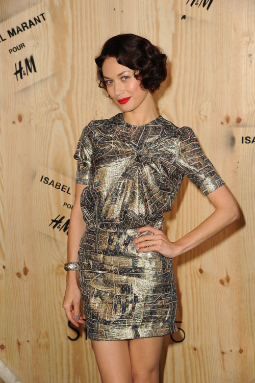 Colectia Isabel Marant pentru H&M s-a lansat printr-o celebrare stradala pariziana