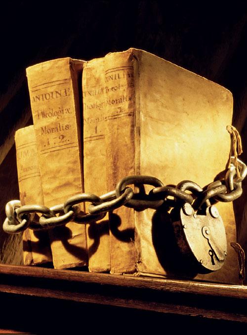 ELLE CONTROVERSA: Literatura VS.cenzura