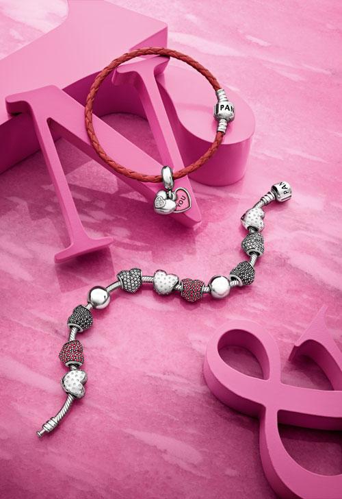 Arata-ti dragostea cu bijuteriile PANDORA