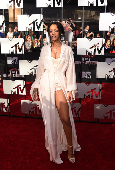 MTV Movie Awards 2014 – cele mai hot tinute de pe covorul rosu