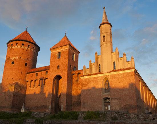 7 castele spectaculoase din Europa, in care iti poti petrece vacanta
