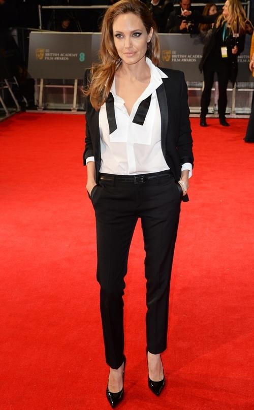 Angelina Jolie se gandeste sa lase actoria pentru politica