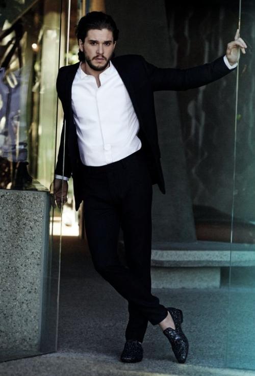 "Kit Harington, actorul din ""Game of Thrones"", este imaginea Jimmy Choo"