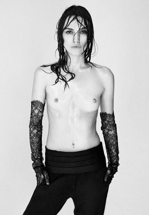 Keira Knightley a pozat topless