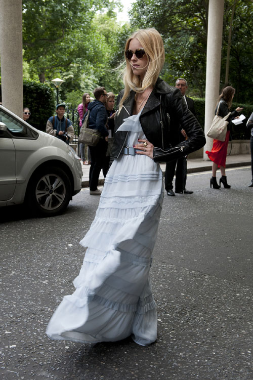 Cum sa porti… rochia lunga