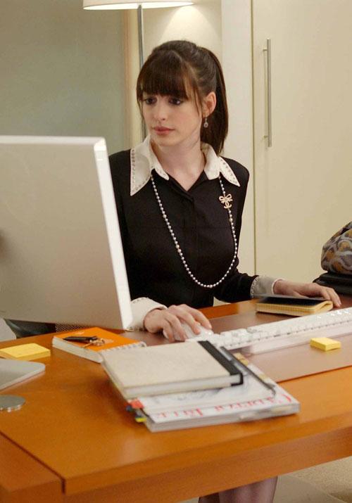 Lucrezi intr-un birou fara ferestre? Iata ce efect negativ are asupra corpului tau!