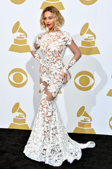 Star Style: Beyonce Knowles in 10 tinute stylish pe covorul rosu si nu numai!