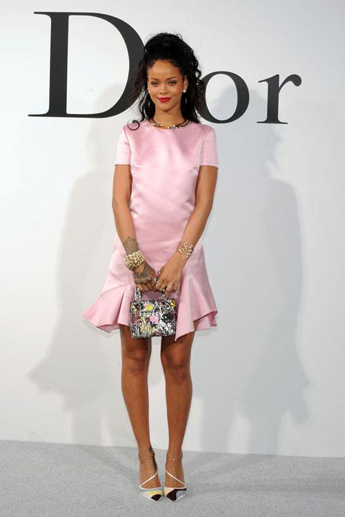 Rihanna primeste laude din partea designerilor!